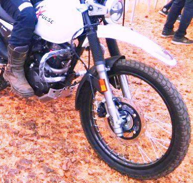 hero xpulse 200 white